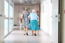 elderly-1461424_1920